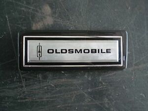 73 74 Oldsmobile Omega Interior Dash Pad Emblem Plaque Mint Shape Oem