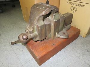 Vintage Table Bench Vise 4 5 W Iron Cast W wooden Base No 800 Heavy Duty