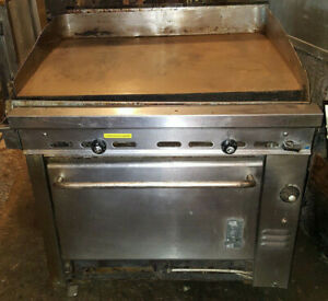 Montague 36 Square Flat Top Grill Griddle Natural Gas Stove Range W Oven