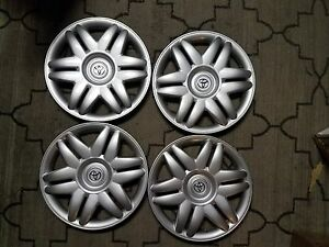 1 Set Of 4 New 2000 00 2001 01 Camry 15 Hubcaps Wheel Covers 61104