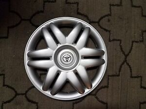 1 New 2000 00 2001 01 Camry 15 Hubcap Wheel Cover 61104