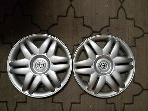 Pair Of 2 New 2000 00 2001 01 Camry 15 Hubcaps Wheel Covers 61104