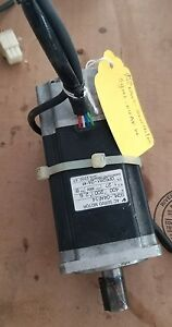 1pcs Used Yaskawa Servo Motor Sgml 04af14 Tested