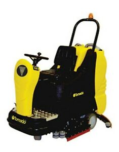 Tornado Bd 33 30 Ride on Automatic Floor Scrubber W Agm Batteries