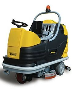 Tornado Bd 40 66 Ride on Automatic Floor Scrubber W Agm Batteries
