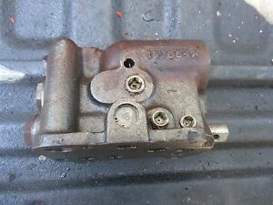 1965 Oliver 1850 Diesel Farm Tractor Hydraulic Power Lift Valve 157064a