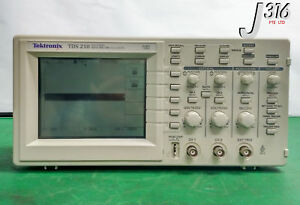 8887 Tektronix Two Channel Digital Real time Oscilloscope 60 Mhz 1gs s Tds210