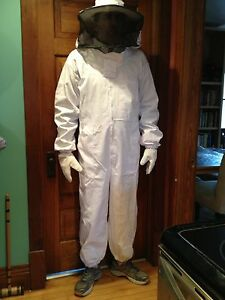 Heavy Duty Full Beekeeping Suit New Size Med Free Gloves Free Shipping