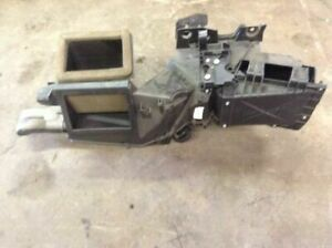 99 00 01 02 03 04 05 06 07 Ford F250 F350 Under Dash Heater Box Housing Duct