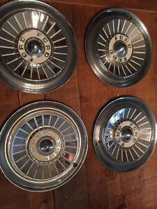 Vintage Set Of 4 1957 Ford 14 Hubcaps Fairlane Sunliner Starliner Fomoco