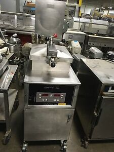 Henny Penny Computron 1000 Electric Pressure Fryer Works Great