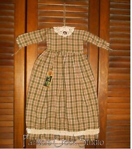 Prim Wall Dress Primitive Decor Tan Olive Plaid Cluny Lace Homespun Grungy