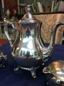 Vtg Wm A Rogers Silverplate Coffee Tea Set Footed Coffee Pot Creamer Sugar Vg