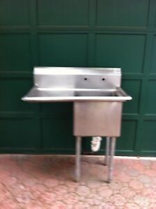 Stainless Steel Commercial Restaurant Single Sink Mint Condition