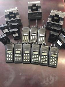 Lot Of 9 Lpe 200 2 Way Radios With Desktop Chargers Lpe200 Ma com Harris