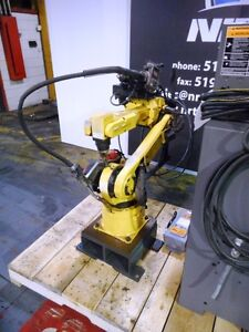 Fanuc Arcmate 100i Welding Robot With R j3 Controller And Lincoln Welder