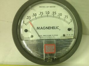 Dwyer Magnehelic Pressure Gauge Gage Range 0 2 Inches Of Water Max 15 Psig