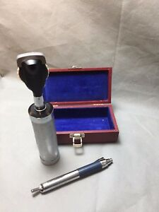 Welch Allyn Ophthalmoscope W Pin Light Case No 115 Portable Batteries Clean