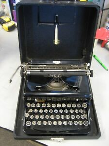 Refurbished 1940 s Royal Portable Manual Typewriter W hard Case W warranty
