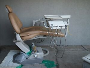 A dec 1040 Cascade Dental Chair swing Rear Assistant Package Delivery