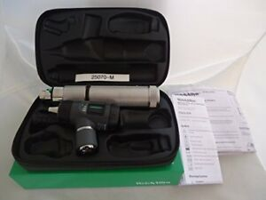Welch Allyn Macroview Otoscope Set Model 25070 m with Charger