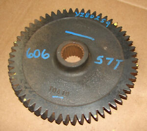 Yz80259 John Deere 4200 4300 4400 Right Hand Clutch Gear