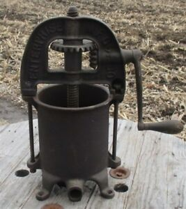 Enterprise 4 Quart Lard Press Cast Iron Sausage Stuffer Fruit Apple Cider Farm J