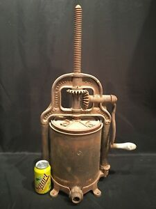 Vtg Hibbard Spencer Bartlett Co Antique Rusty 8qt Cast Iron Sausage Press 035