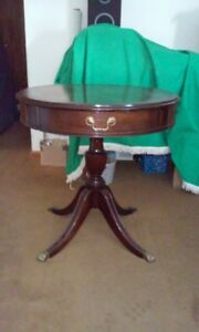 Vintage Hekman Mahogany Birch Leather Top Drum Table