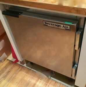 Beverage Air 27 Under Counter Stainless Steel Refrigerator Cooler Ucr27a