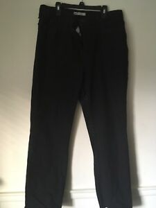 LEE MISSES Black Petite Jeans. Classic Fit Straight Leg Size 14. NWOT