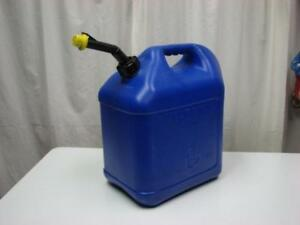 Blitz 5 Gallon Kerosene Gas Can W Self Venting Spout Cap