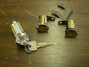 Nos Oem Ford 1970 Mustang Doors Ignition Lock Set Mach 1 Boss 302 429 Keys