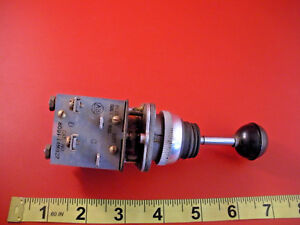 Allen Bradley 800t t4mb22 Toggle Switch Joystick 4 way 800tt4mb22 Used