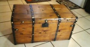 1800 S Antique Flat Top Steamer Trunk Chest With Out Tray