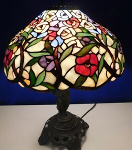 Vintage Tiffany Style Stained Leaded Glass Shade W Metal Cherub Boy Table Lamp