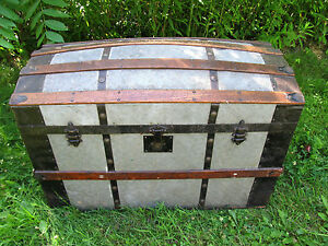Nice Antique Barrel Top Steamer Saratoga Trunk Chest Local Pick Up Only