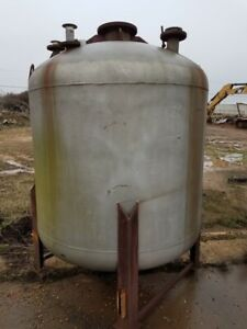 800 Gallon 304 Stainless Vertical Pressure Vessel Tank