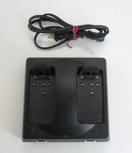 Original Leica Gkl122 1 Battery Charger Gps Dual Port D70362 For Surveying
