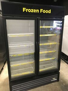 2016 True Gdm 49f hc Double Door Glass Front Display Freezer Nice