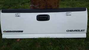 Chevy Tail Gate White 99 06 Chevy Silverado Very Nice