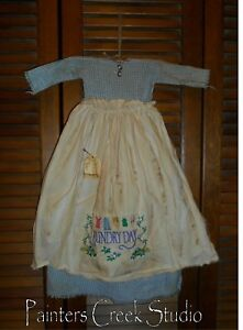 Primitive Wall Decor Dress Blue Homespun W Apron Laundry Day Prim Grungy