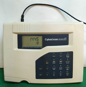 10652 Eutech Instruments Bench Ph ion Meter Cyberscan 2500ph