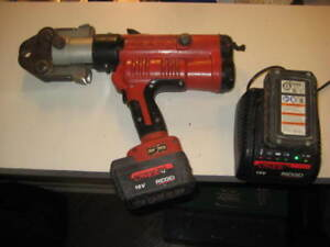Ridgid Rp 340 Crimp Tool With 2 Batteries And Charger 1 Crimp Head