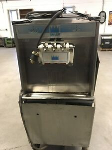 Taylor Soft Serve Ice Cream Machine Two Phase 05 220 watercooled Fl 754 33