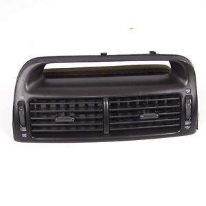 Genuine 95 05 Mitsubishi Diamante Center Vent Air Louvre Assy Dash Heater Grille
