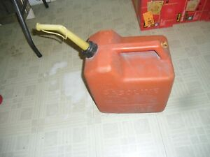 Vintage 6 Gallon Chilton Gas Can With Vent Model F60 And Orignal Spout