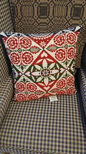 New Family Heirloom Weavers Primitive Coverlet Pillow Large