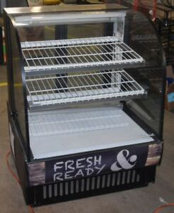 True Tcgb 36 Curved Glass 36 Non refrigerated Dry Bakery Display Case