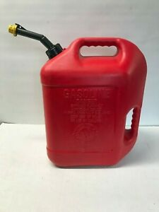 Blitz 5 Gallon Vented Gas Fuel Can W Spout Cap 11833 Dual Handles Usa